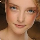 blush suave 01 Tendências em Maquiagem 2012