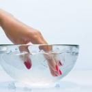 como fazer o esmalte secar mais rápido