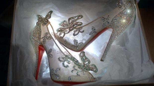 sapatos da cinderela louboutin