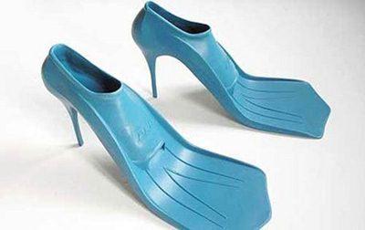 sapatos estranhos