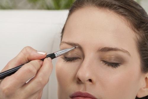 maquiar a sobrancelha capa