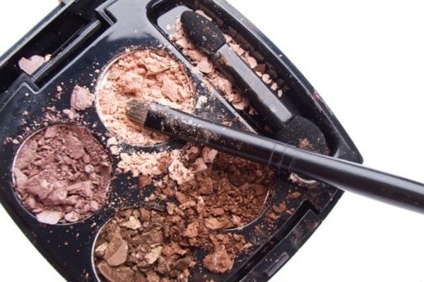 maquiagem quebrada